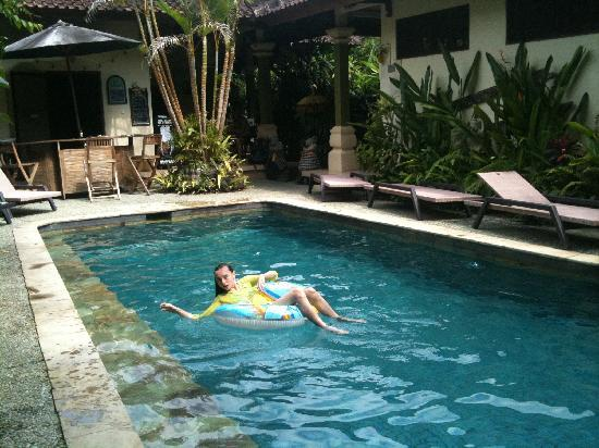 LadyBamboo Villa: It is always pool time