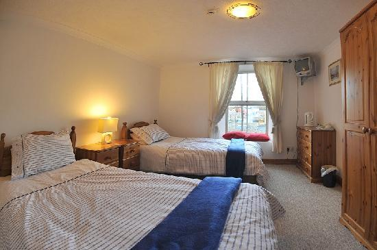 Heart of Oak: One of our twin rooms