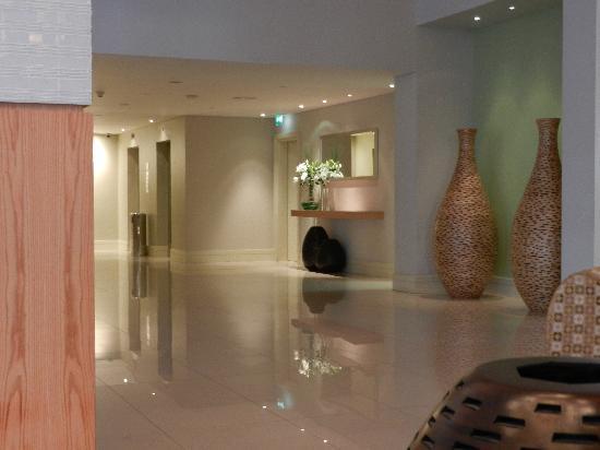 Ibis Deira City Centre: Hotel lobby