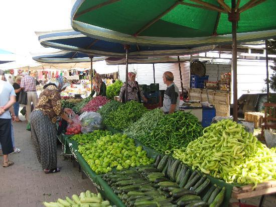 marché de Gumuldur à 3kms