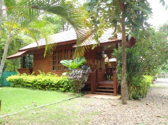 Duang Manee Resort : bungalow