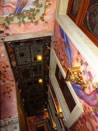 Hotel U Pava : ceiling