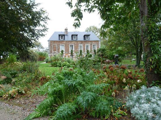 Bordeaux Saint Clair, France: Un si bel écrin de verdure !