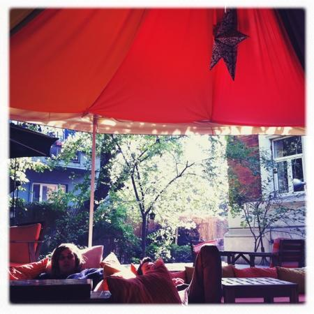 Podstel Bucharest: Almond tea