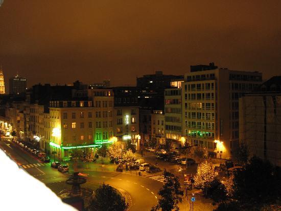 Hôtel Aristote : 部屋から見た夜景です。