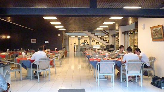 Maison Bogerijen: restaurant as it was then and as it is now