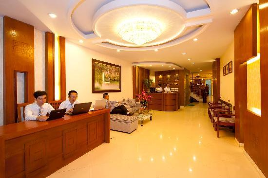 Hanoi Holiday Diamond Hotel: lobby