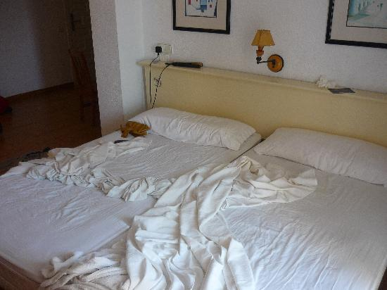 El Divino Apartments: Beds, could have done with more sleep... I blame DC10