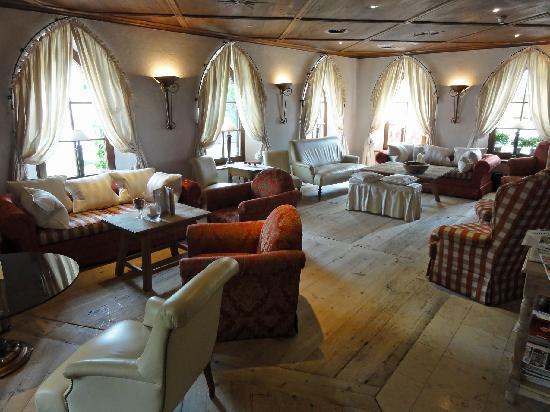 Hotel Alpenblick: Hotel lounge