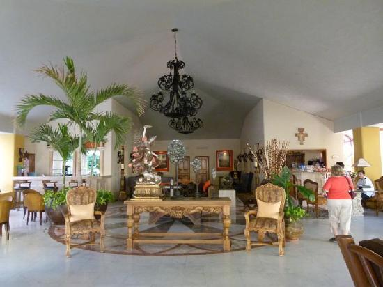 Marina Fiesta Resort & Spa : Lobby