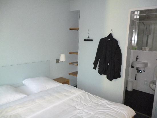 Hotel Marta: Hotel Room
