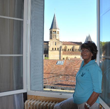 Paray Le Monial, France: basilique vue de la chambre 360!