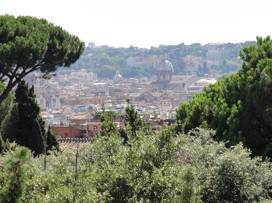Berg Luxury Hotel: Roofs of Rome - view from suite's terrace