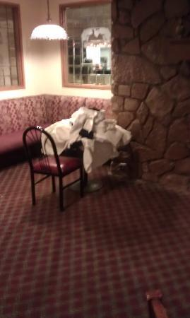 Quality Inn Stroudsburg: laundry for breakfast?