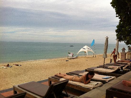 Aloha Resort : Sun beds