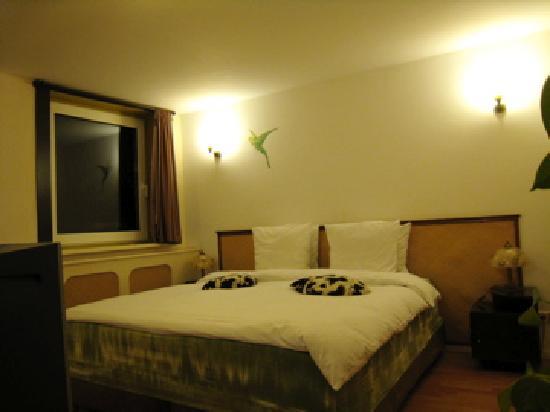 Suite 259: 上階のベッドはキングサイズでした