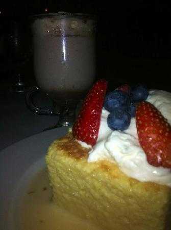 Besito Mexican Restaurant : Mexican Hot Choc & Tres Leche Cake