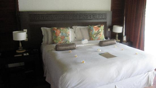 Hilton Moorea Lagoon Resort & Spa: the SOFT comfy bed!