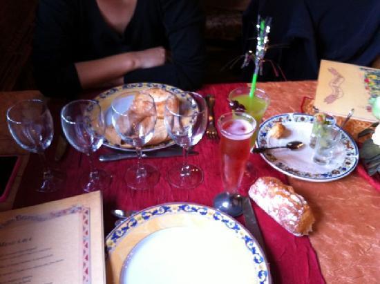 Chelles, France: Table