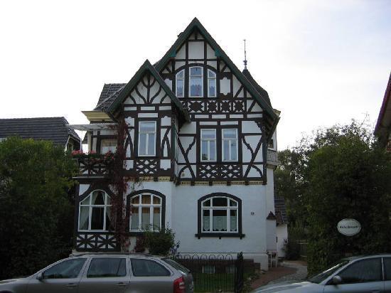 Hotel Villa Rossek: Villa Rossek von der Parkstrasse