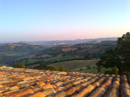 Villa Barocco: uitzicht op de heuvels vanuit de slaapkamer