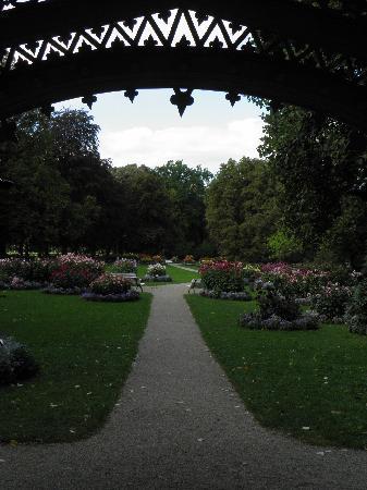 Baden-Baden Kur & Tourismus: Along Lichtentaller Allee