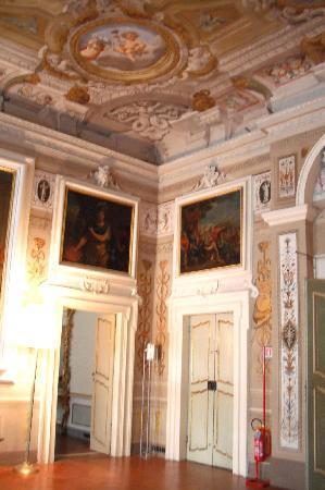 Palazzo Tucci: entrata