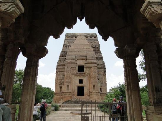 Gwalior Fort: ...der Turm-TELI-KA-Mandir...