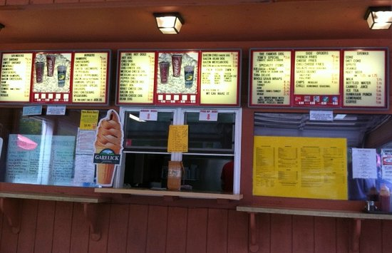 Tom's Hot Dog & Grill: Tom's, menu board