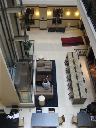 แฮมป์ตัน อินน์ สวีท เม็กซิโกซิตี้เซ็นโทร ฮิสทอริโค: lobby