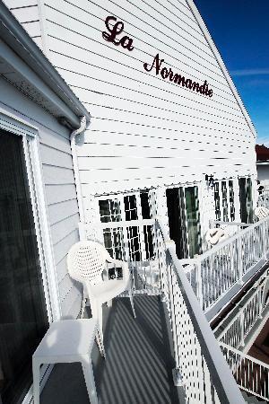 "Hotel La Normandie: l'esterno del ""La Normandie"", faccia al mare"