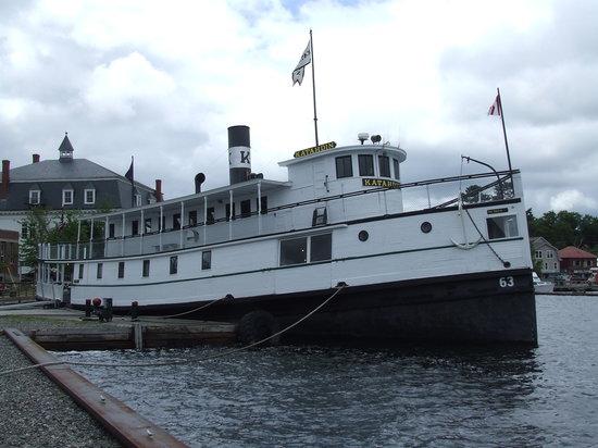 Katahdin Cruises and Moosehead Marine Museum: Katahdin at harbor in Greenville, ME