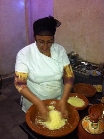 MonRiad: la preparazione del couscous per la cena