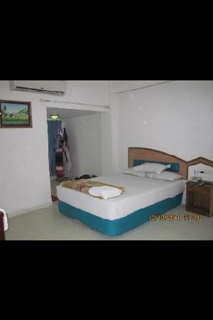 Hotel Media International: super deluxe room in hotel media
