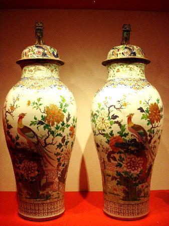 Leeuwarden, Ολλανδία: Two beautiful very large vases