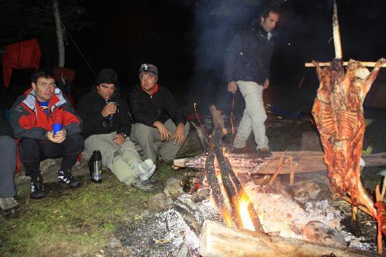 Patagonia Rafting : El famoso cordero patagonico!!!