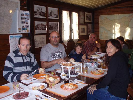 B&B Sotto il Vulcano: Very hungry trekkers