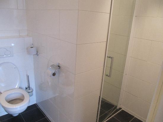 Nieuw Beusink: bathroom -shower only