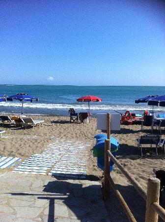 Hotel Residence Roccamare: spiaggia