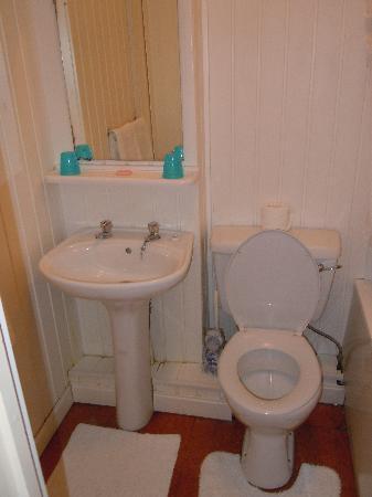 Penrhys Hotel: Bathroom