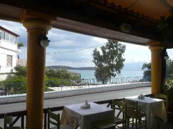 Knossos Taverna: lovely view from the Knossos