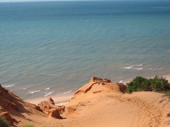 Casa de Lua: Beautiful beach and blue water!