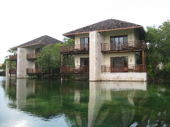 Fairmont Mayakoba: room w/ canal view
