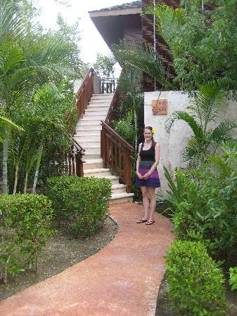 Fairmont Mayakoba: path leading to room