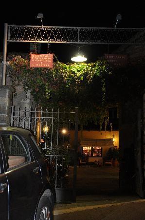 Ristorante Logli: entrance to the restaurant