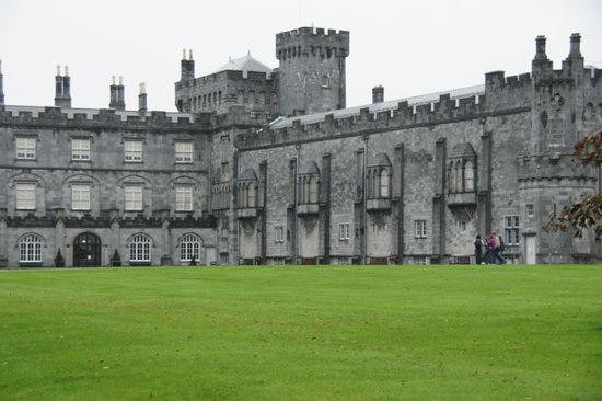 Kilkenny, Ireland: Another view of the castle