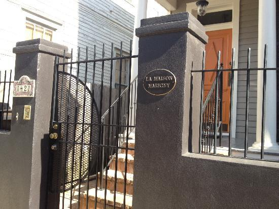 La Maison Marigny B&B on Bourbon: enjoy the front porch with handmade rockers