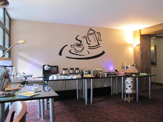 BEST WESTERN Hotel Litteraire Gustave Flaubert : Breakfast