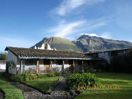 El Monasterio de Cusin : extérieur