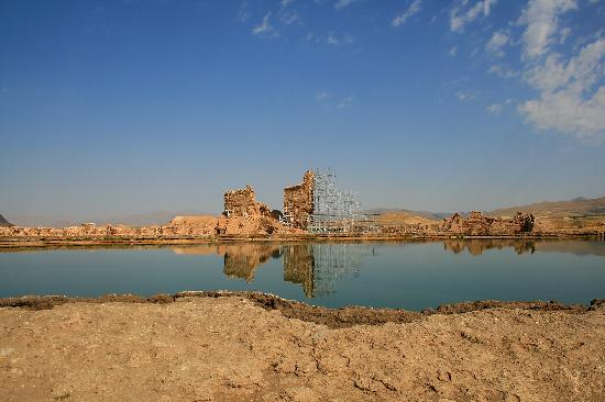 Takht-e Soleyman: Remains of Takht-e-Soleyman and its lake